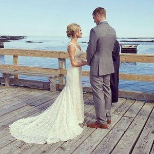 Beautiful BHLDN Anthropologie wedding dress